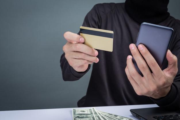 Как защитить банковскую карту от мошенников (1)